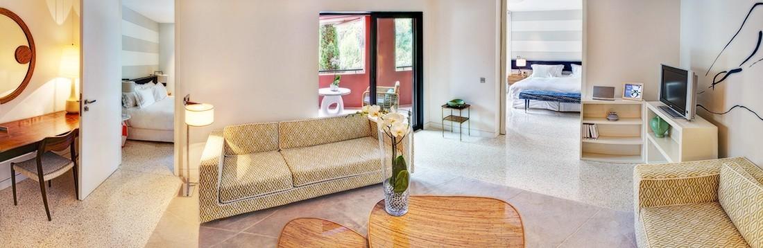 Double-suite-55-SD-salon-1100x368-1100x358