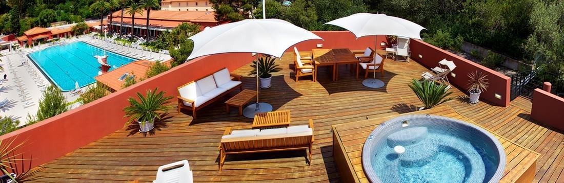 Double-suite-sunshine-jaccuzi-75-SDE-vue-mer-terrasse-1100x368-1100x358